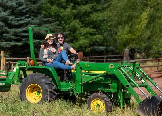 John and Aimee Oates partnered withFeeding America, NugsTV and Drive Entertainment Group for the online music festival Oates Song Fest 7908 on March 20.